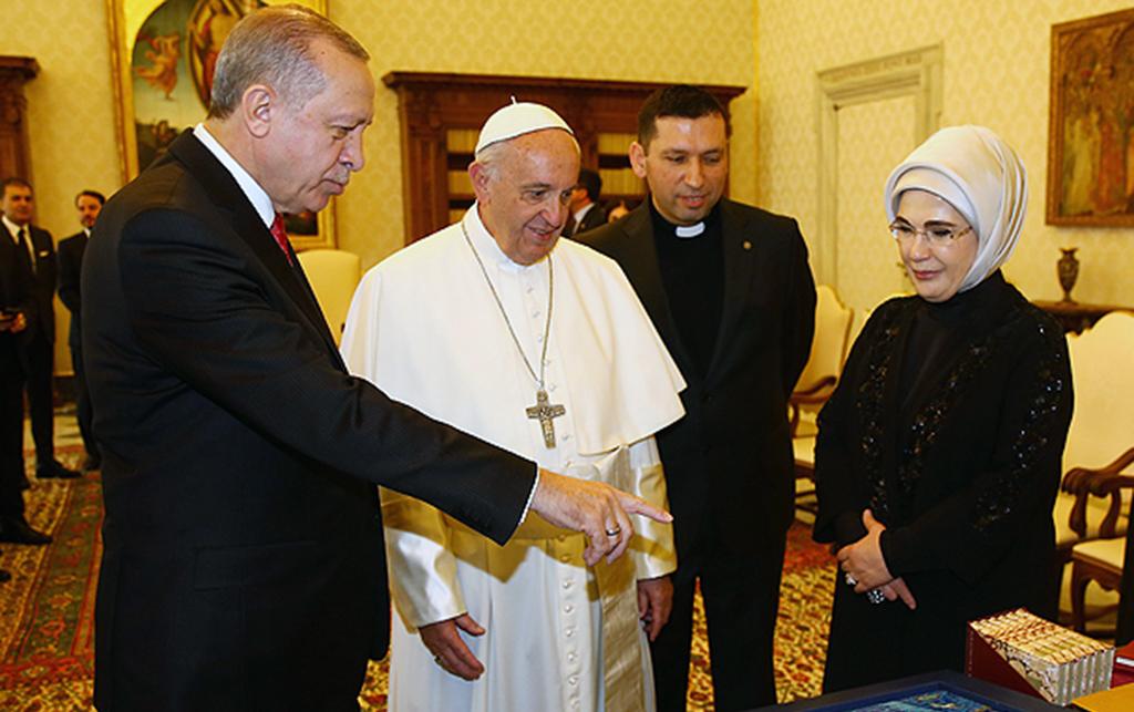 Pope Francis with Recep Tayyip Erdoğan and the First Lady Emine Erdoğan