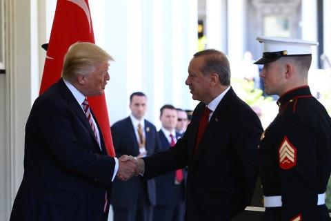 U.S. President Donald Trump (L) and President Recep Tayyip Erdoğan (R)