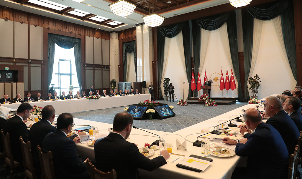 Turkish President Recep Tayyip Erdogan delivers a speech during Metropolitan Mayors Meeting at Presidential Complex in Ankara, Turkey on September 11, 2019.