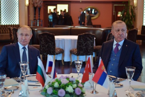 President Recep Tayyip Erdoğan and Russian President Vladimir Putin attend a meeting in Istanbul, Jan. 8, 2020. (AFP Photo)