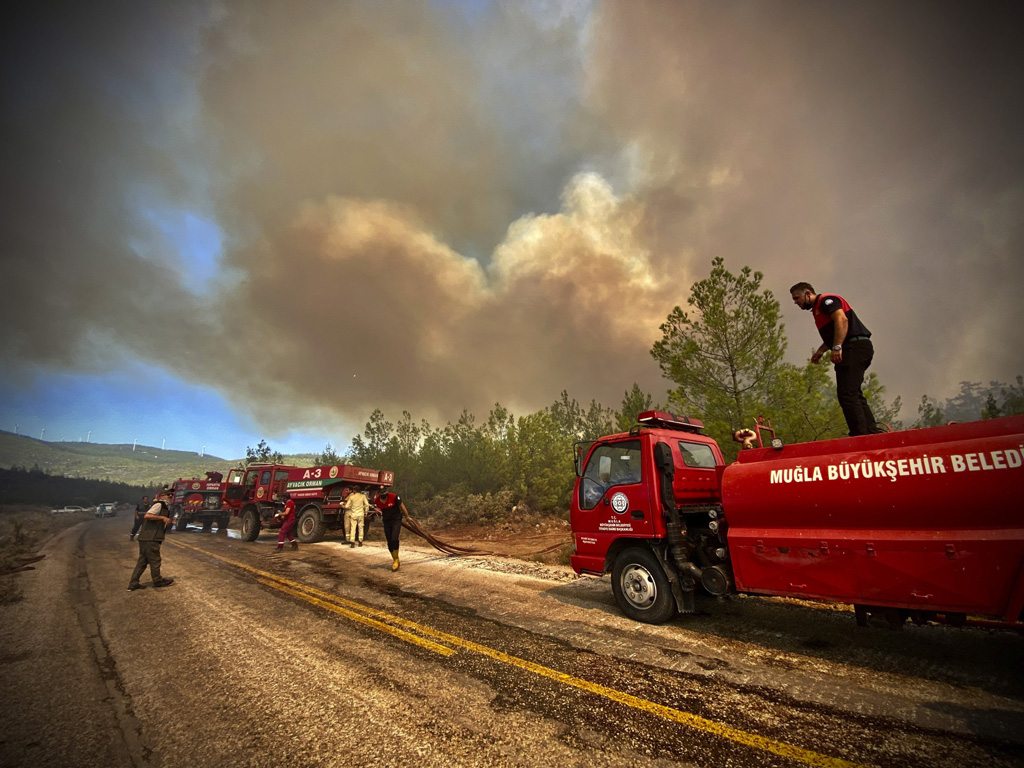 Wildfires in Turkey: Operation against the government